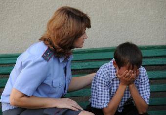 Допрос несовершеннолетнего свидетеля упк рф следователем