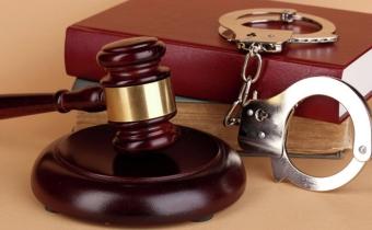 В каких случаях применяют заключение под стражу до суда