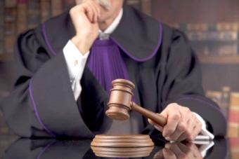Какой состав суда рассматривает уголовные дела?